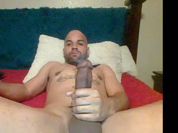 therealj20 public show video from Chaturbate