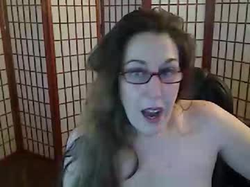 squirtingmama record video with toys from Chaturbate.com