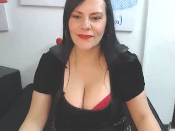 tiffanygolld_ chaturbate show with cum