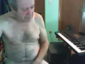 bassistluis video with dildo from Chaturbate.com