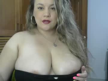 cuteluna public webcam video from Chaturbate