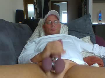 jaypelle show with cum