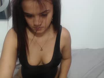 nicolle_2 private show from Chaturbate