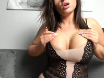 bustyalessandra cam video from Chaturbate.com