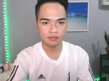 cutieboy_xxx show with toys from Chaturbate