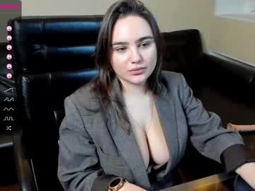 gina_li record video with toys from Chaturbate.com