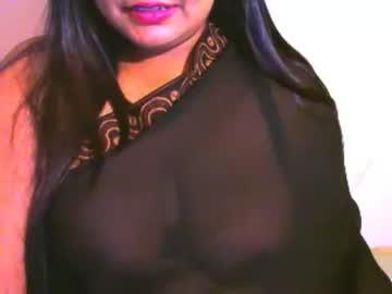 indianivy2 premium show from Chaturbate