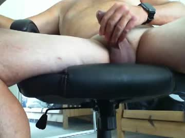brianb721 record public show from Chaturbate