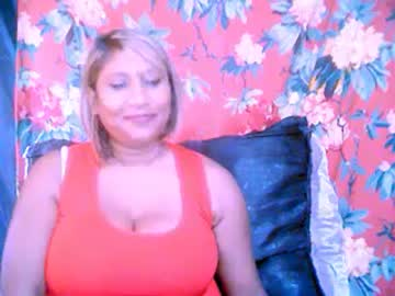 0indianpearl cam video from Chaturbate.com