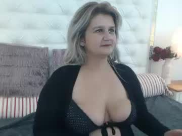 ladycory record video with dildo from Chaturbate