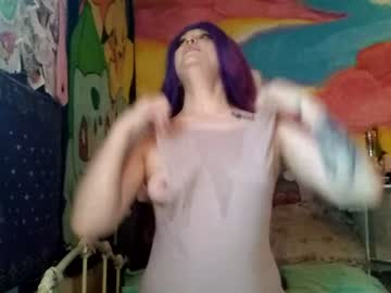 red_lil_bunny webcam video from Chaturbate