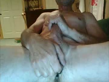 ynkeh8tr413 record blowjob show from Chaturbate.com