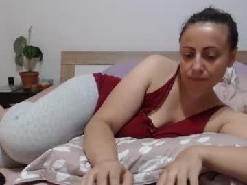 taniyushka public webcam from Chaturbate.com