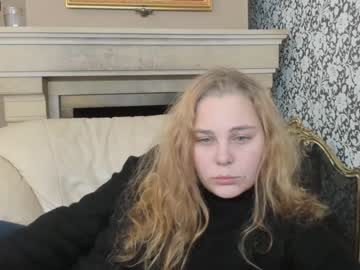 sophie_brookss blowjob video from Chaturbate