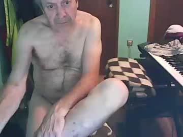 bassistluis private sex video from Chaturbate.com
