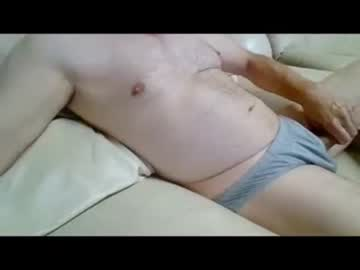 auzzieroo public show video from Chaturbate