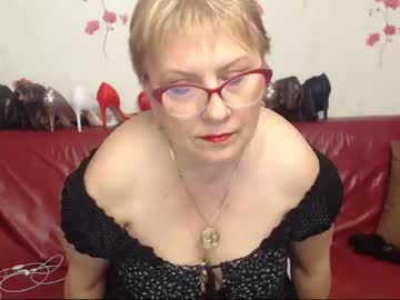 sexylynette4u record show with toys from Chaturbate.com