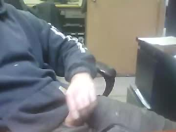 bobbybigwheels18 record public show from Chaturbate.com