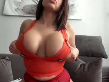 bustyalessandra cam show from Chaturbate