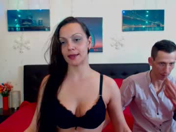 0hnaughtycouple public show video