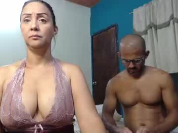 couple_hot_01 webcam show from Chaturbate