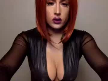 ashley_the_trap public show from Chaturbate