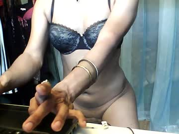 bambampeak record video with toys from Chaturbate